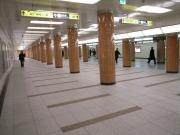日本橋 三越 地下通路 広がる